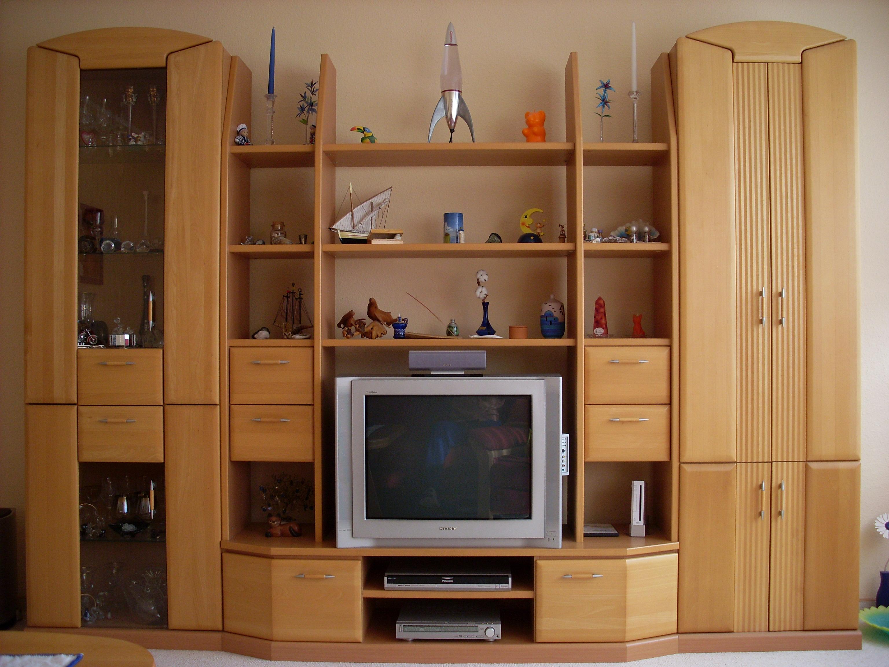 sch ne anbauwand zu verkaufen wohnzimmer anbauschrank. Black Bedroom Furniture Sets. Home Design Ideas