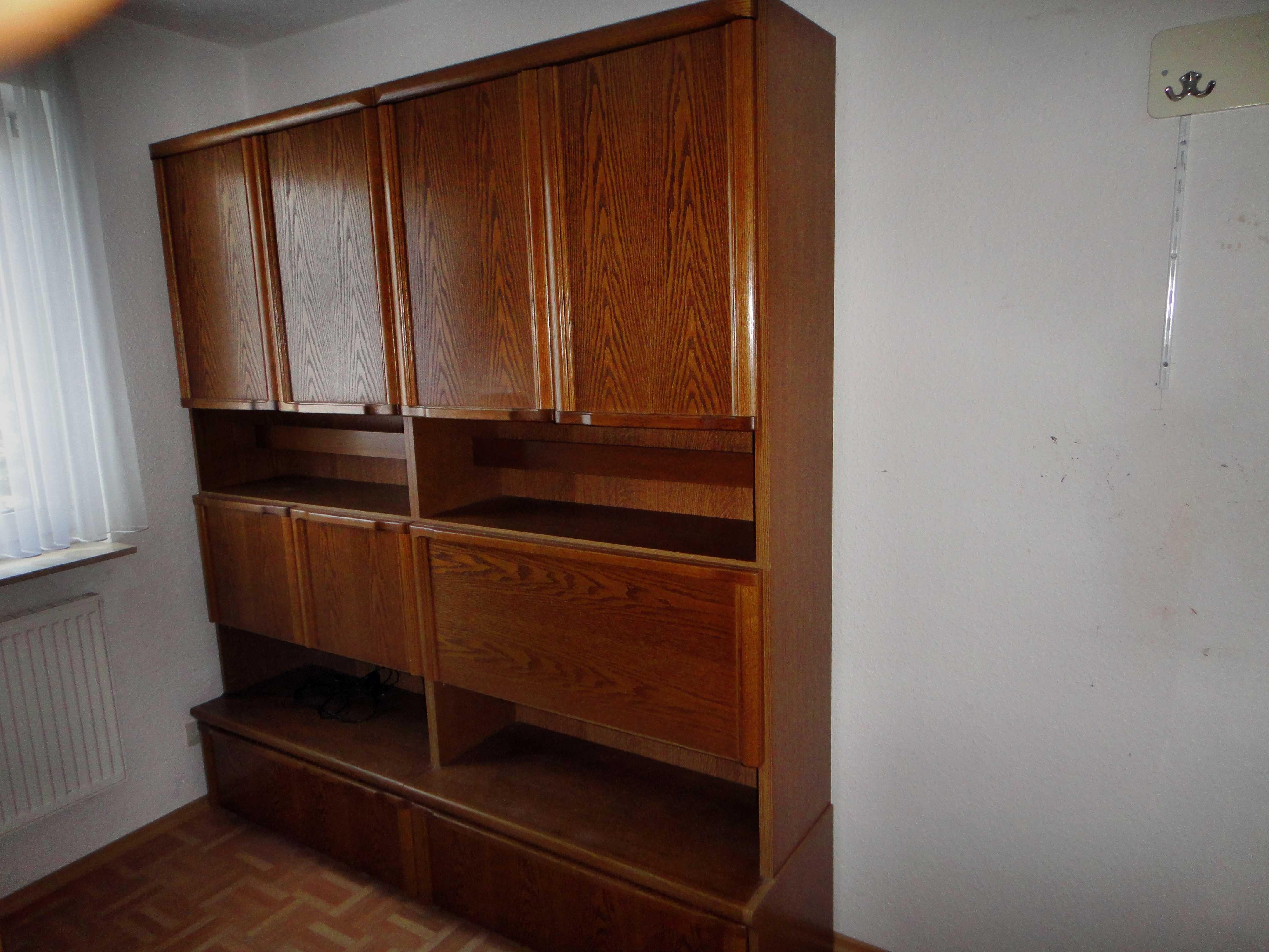 kostenlose wohnzimmerschrank kleinanzeigen. Black Bedroom Furniture Sets. Home Design Ideas