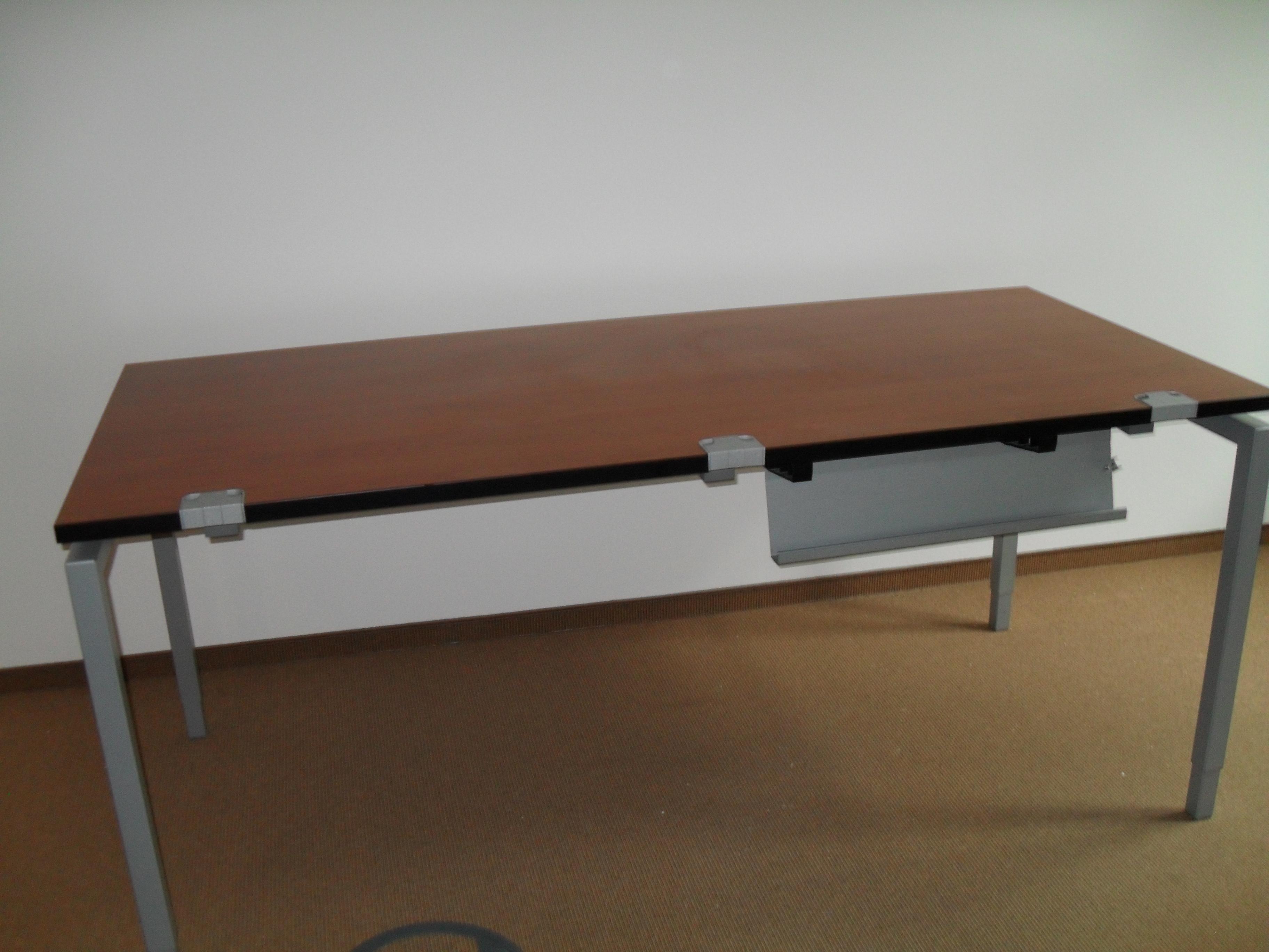 Schreibtisch kleinanzeigen schreibtisch anzeigenmarkt for Gebrauchte schreibtische