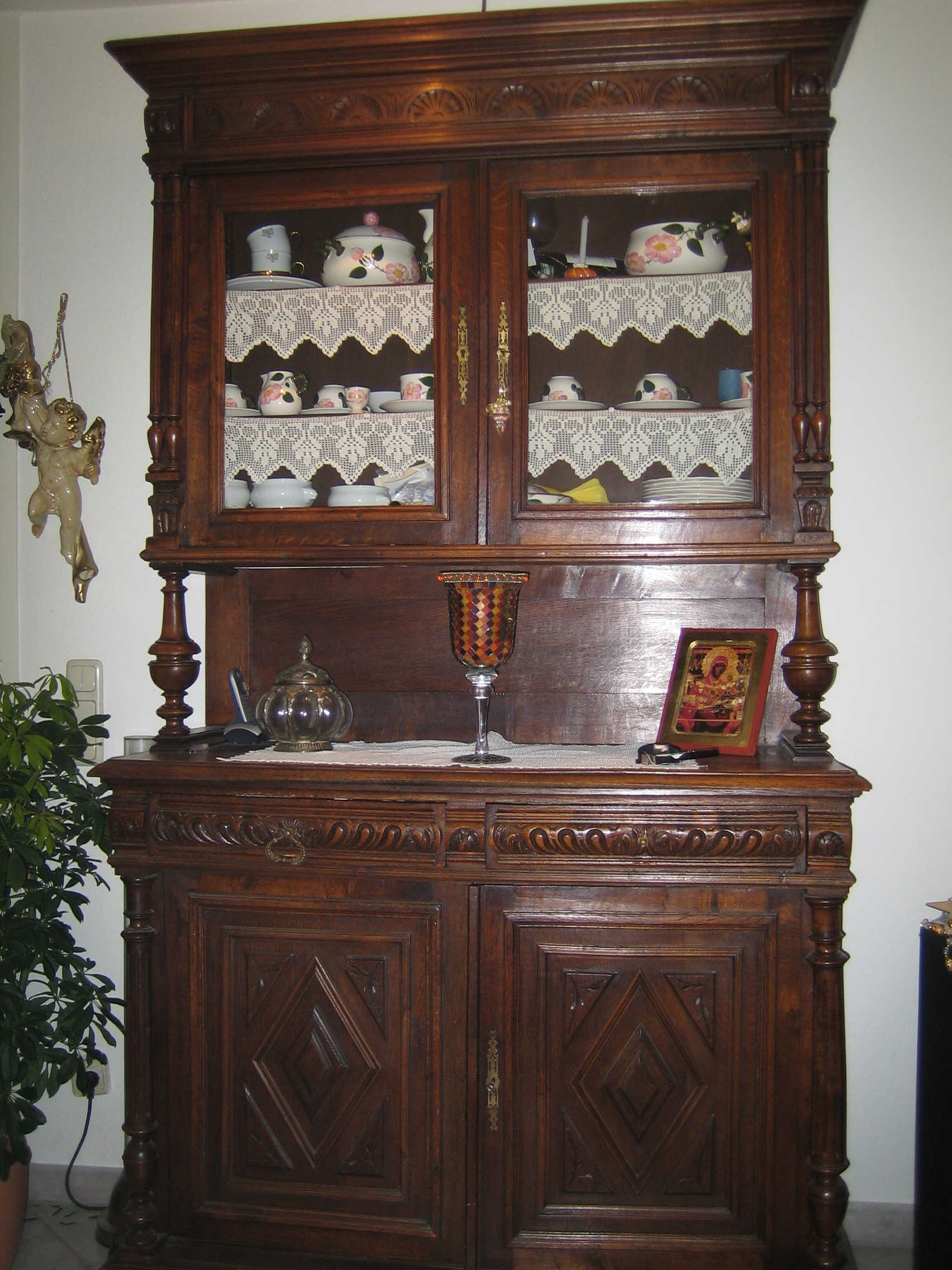 henry doey antiker buffetschrank ca 1870. Black Bedroom Furniture Sets. Home Design Ideas