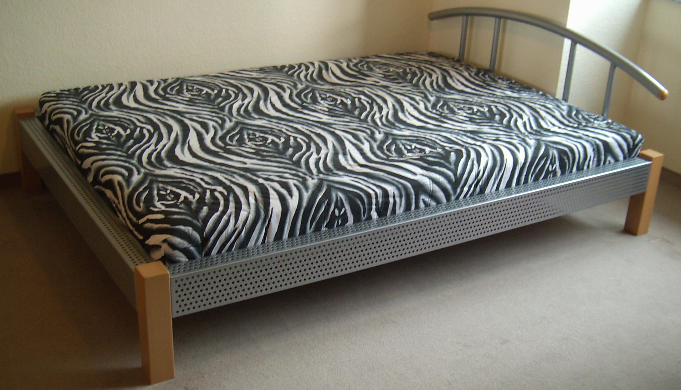 kostenlose lackierter kleinanzeigen. Black Bedroom Furniture Sets. Home Design Ideas